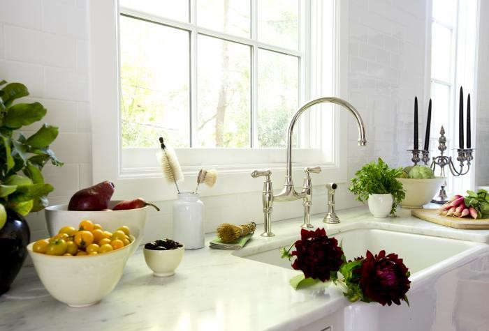 10 Easy Pieces Architects Go To Traditional Kitchen Faucets Remodelista