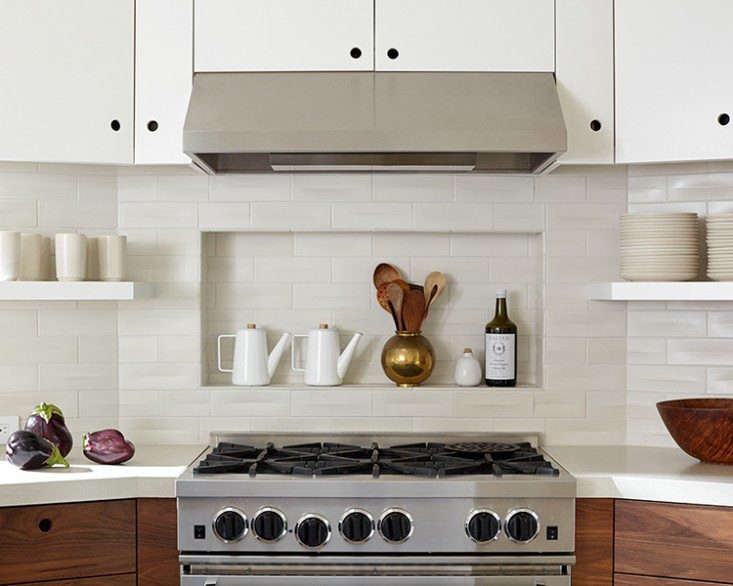 """Cutout Kitchen Cabinet Pulls 17 Favorites from the Remodelista Archives &#8\2\20;To me, there's something nautical about them,"""" says the designer Rachel Cleaveland Riedy of cabinet cutouts—fitting for An Artful Aerie in Mill Valley."""