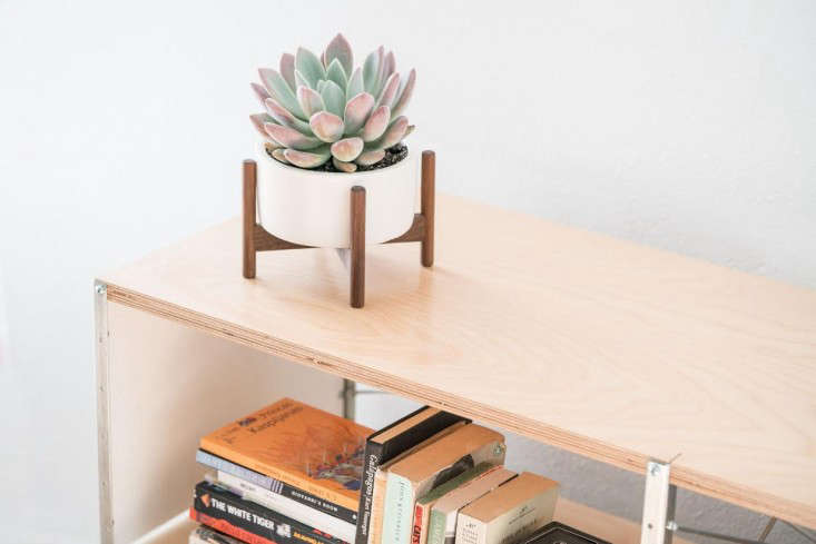 Gift Guide Midcentury Style from Modernica in LA portrait 5