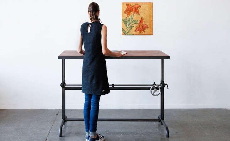 5 Favorites LongevityPromoting Standing Desks portrait 3