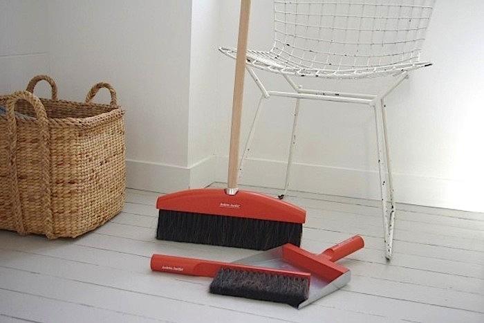 10 Easy Pieces DesignWorthy Dustpans portrait 3