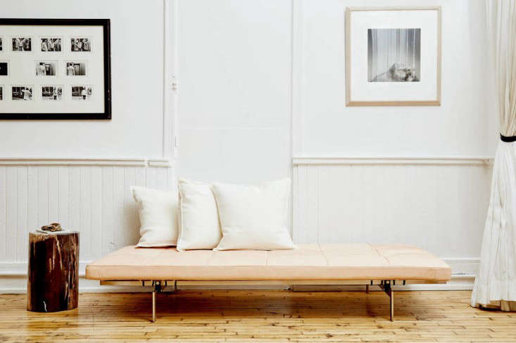 10 Easy Pieces Modern Daybeds portrait 8