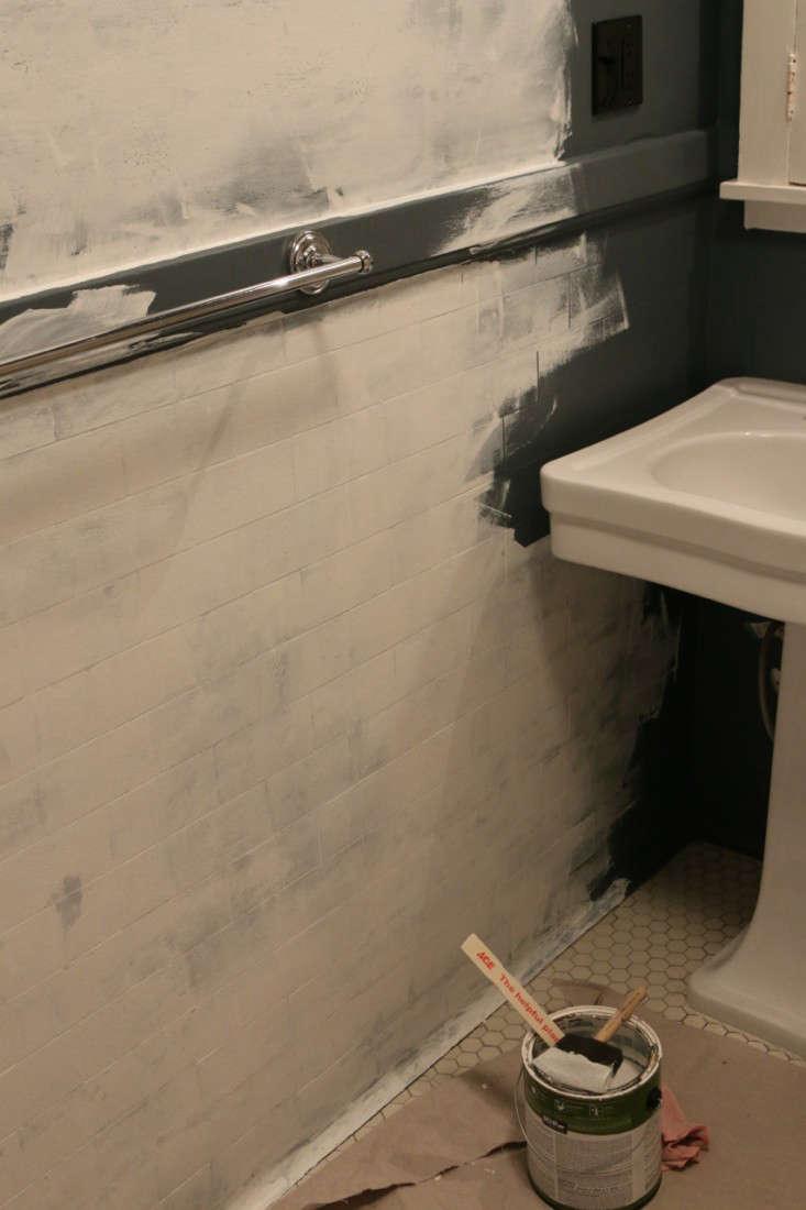 Painting Bathroom from Black to White Meredith Swinehart Remodelista 7