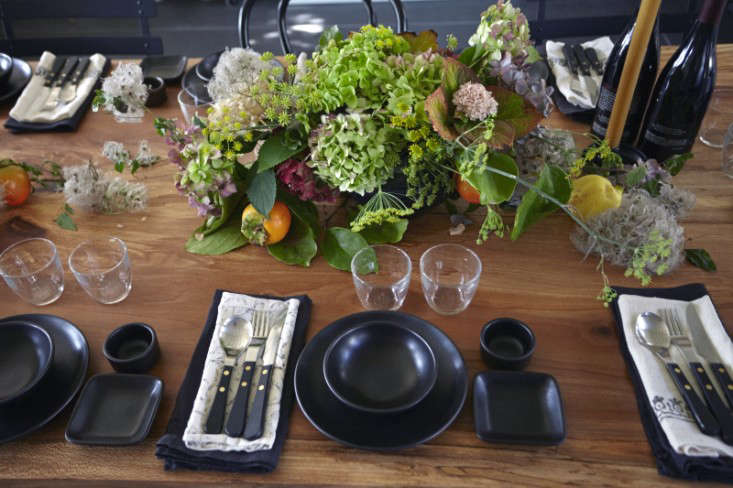 Parkside Holiday Table setting photography Julia Spiess Dinners with friends Remodelista