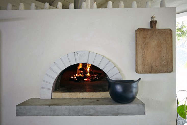 Parkside Holiday Table wood burning oven