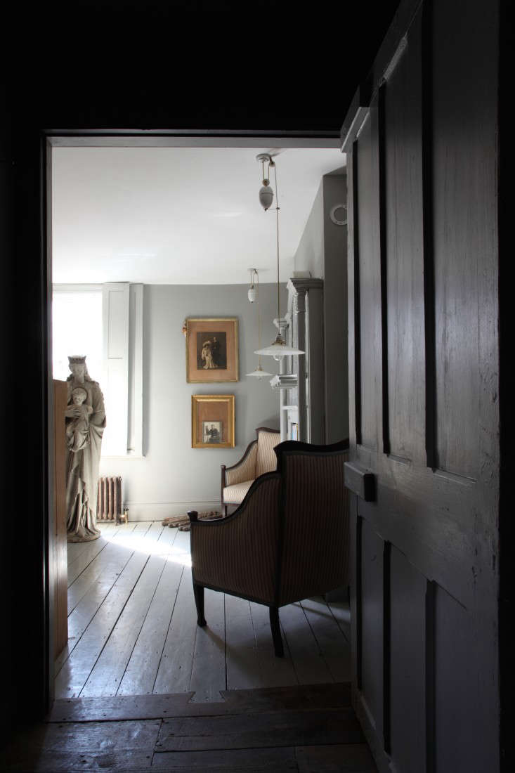 Out with the New Reinventing the Past in a London Remodel portrait 10