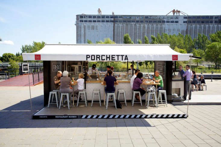 In collaboration with Muvbox, a company that specializes in shipping container conversions, product designers Guillaume Noiseux and Guillaume Sasseville opened Porchetta Box, a temporary restaurant in Montreal during the summer of loading=