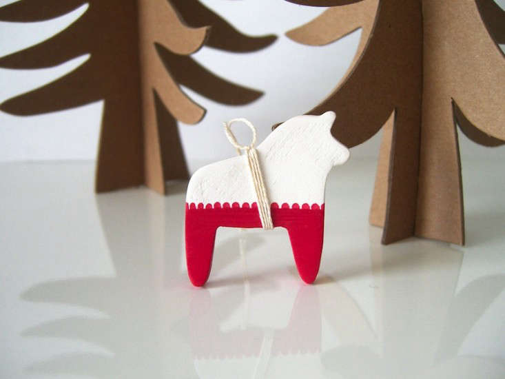 10 Easy Pieces Handmade Holiday Ornaments  portrait 4
