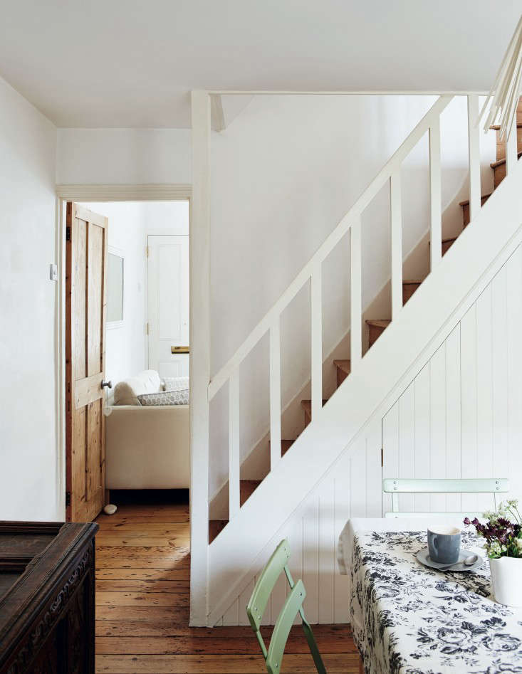 Required Reading Beautifully Small Sara Emslie Rachel Whiting Remodelista 04