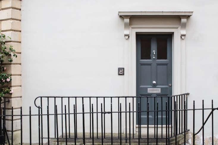 park&#8\2\17;s gray painted front door. 10