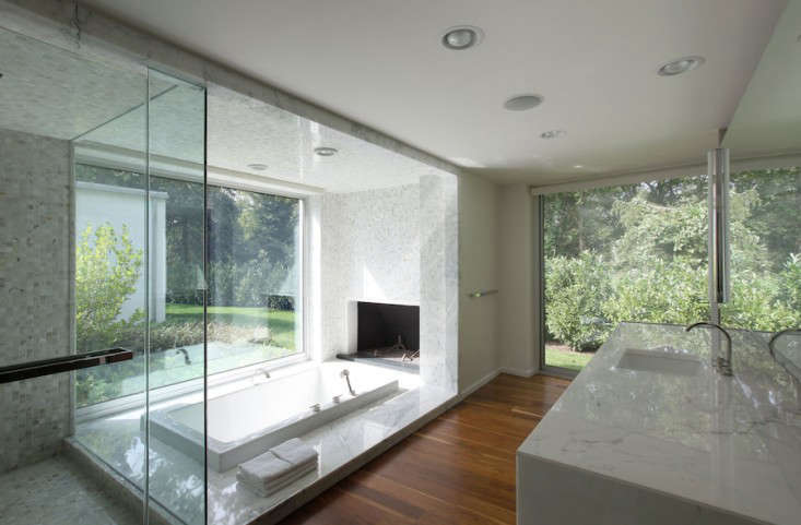 Vote for the Best Bath Space in the Remodelista Considered Design Awards 2014 Professional Category portrait 18