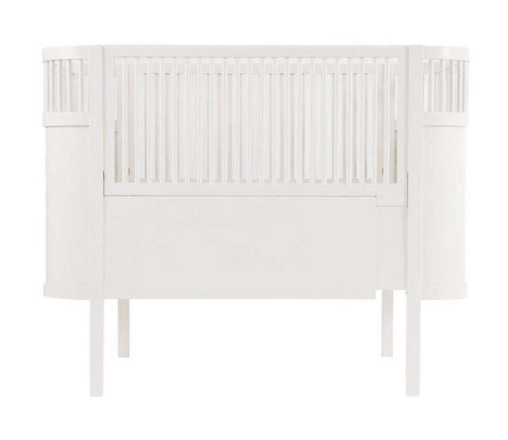 10 Easy Pieces Best Cribs for Babies portrait 10