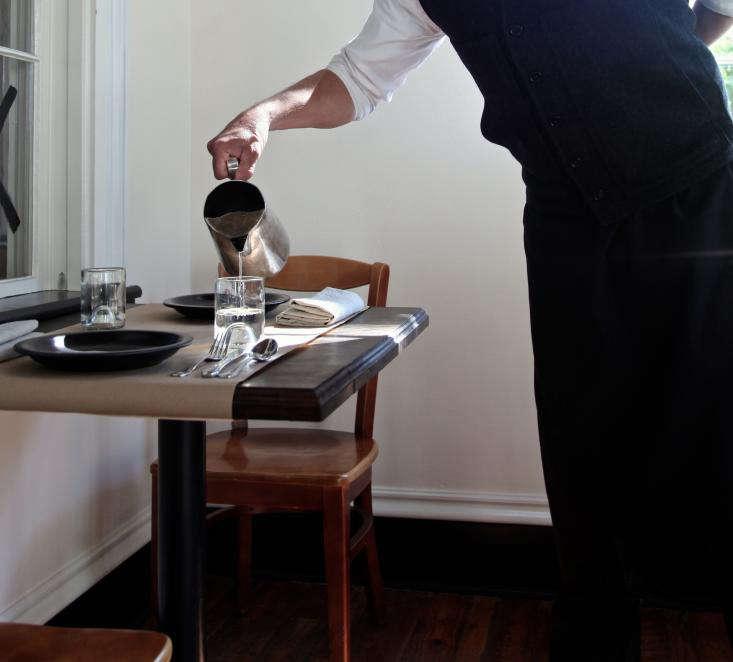 A waiter&#8
