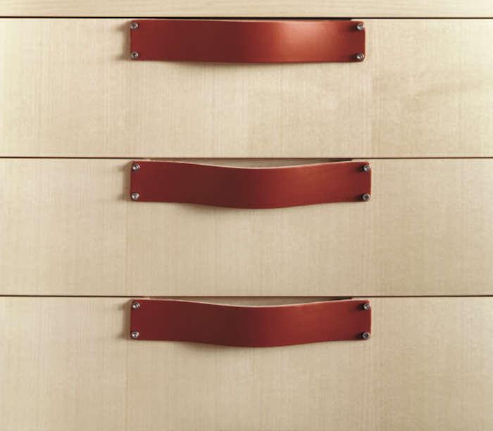 Spineybeck Leather Pulls