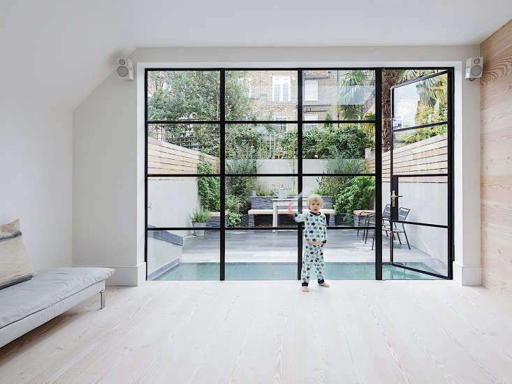 The Uncluttered Life in London portrait 11