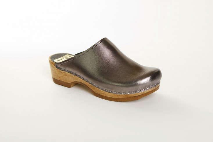 Editors Picks 10 Metallic Sandals for Spring portrait 11