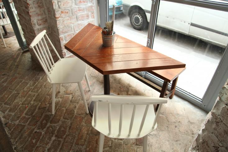 Table and Chairs at Le Mary Celeste