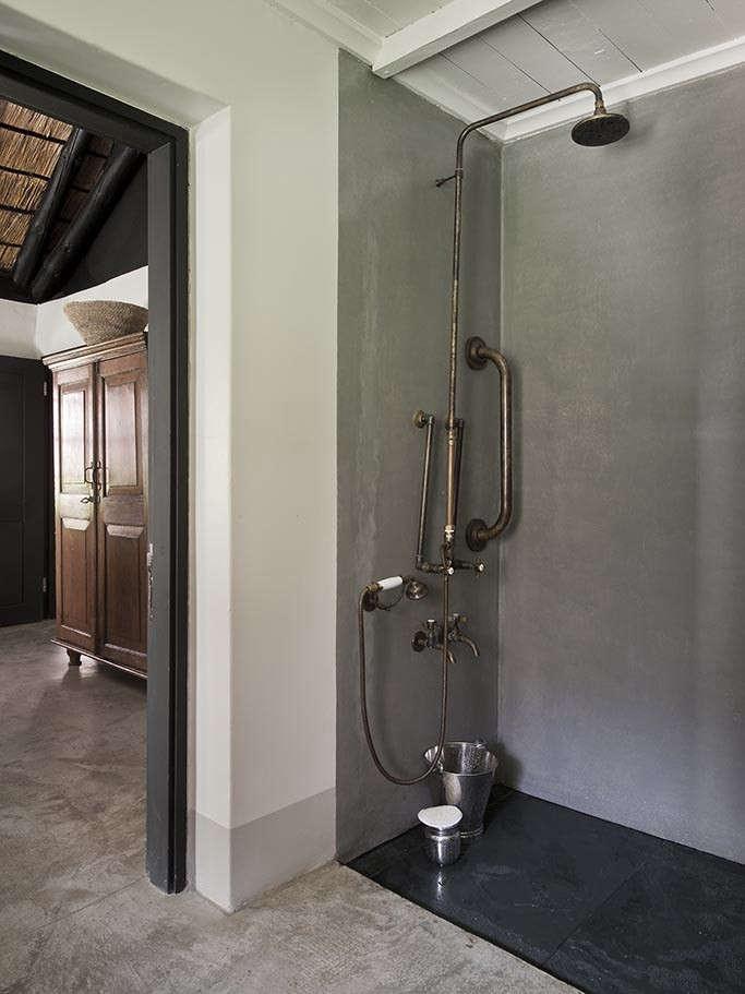 The SATYAGRAHA House bath 2
