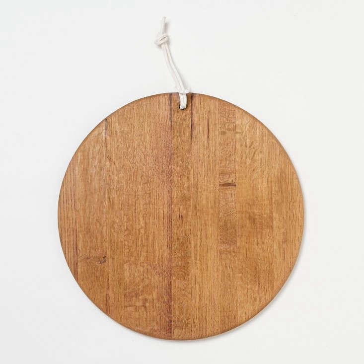 10 Easy Pieces DisplayWorthy Wooden Cutting Boards portrait 4