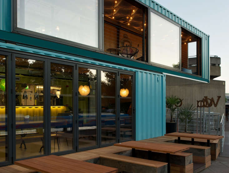 10 Shops and Restaurants Made from Shipping Containers portrait 3_19