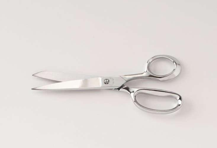 12 DesignWorthy Scissors portrait 9