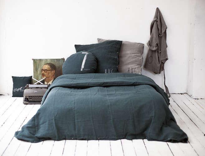bed philosophy gray