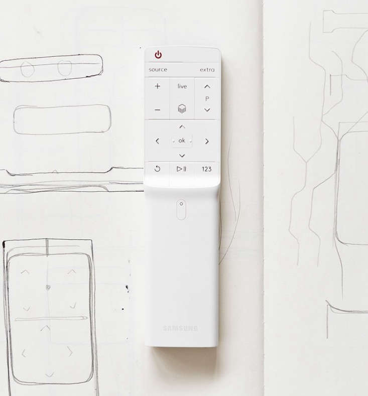The New Serif TV by the Bouroullec Brothers for Samsung portrait 9