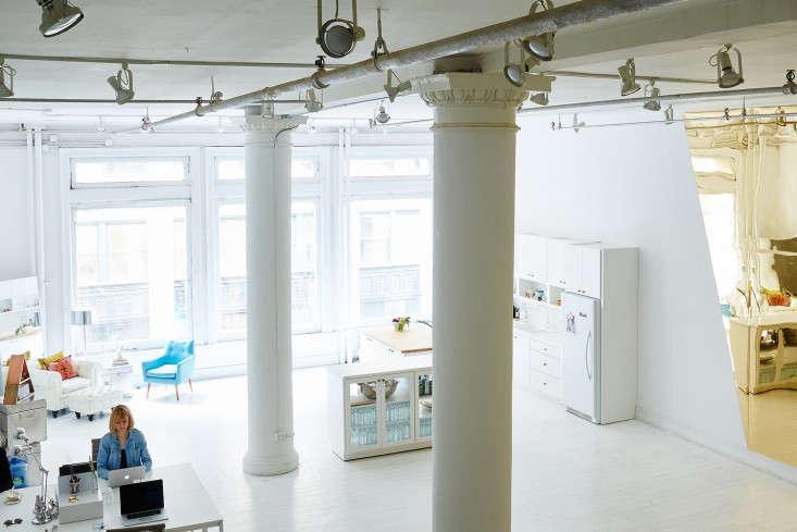 A Modern Office on a Startup Budget Brad Sherman for Sakara Life portrait 7