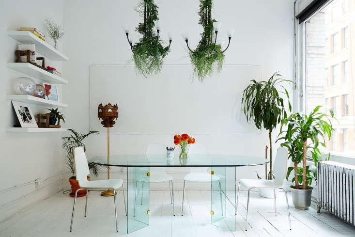 A Modern Office on a Startup Budget Brad Sherman for Sakara Life portrait 8