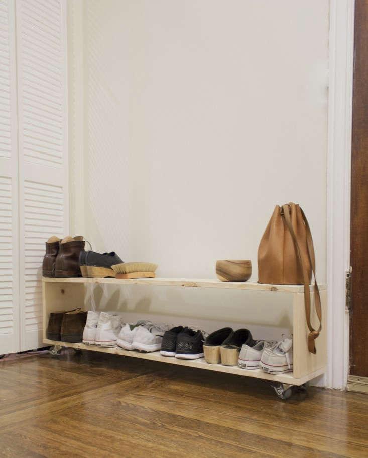 diy mudroom minimalist shoe rack gardenista 0