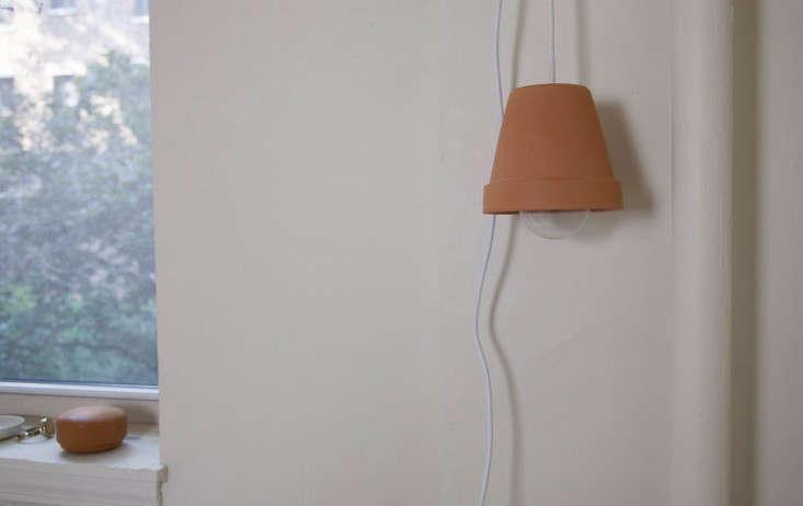 diy terra cotta flower pot pendant light remodelista 17