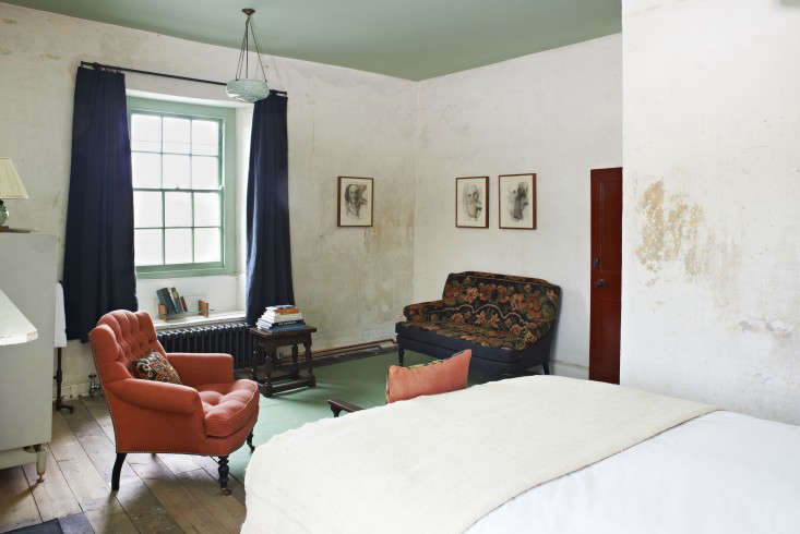 Steal This Look An Eclectic Bedroom in Somerset England portrait 4