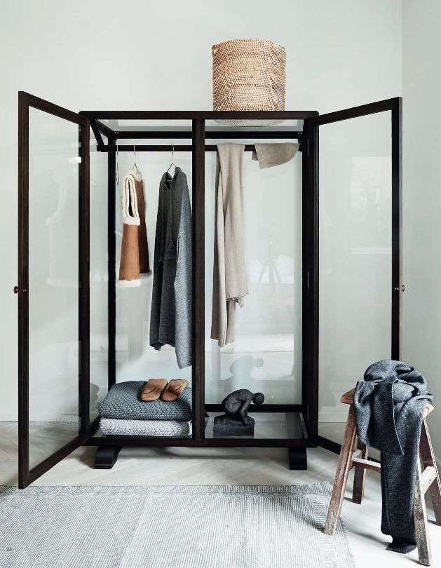 The New Transparency 7 GlassFronted Closets and Wardrobes portrait 3