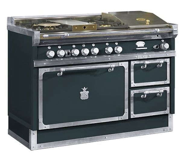 6 ChteauStyle Cooking Ranges for the Luxe Holiday Kitchen portrait 7