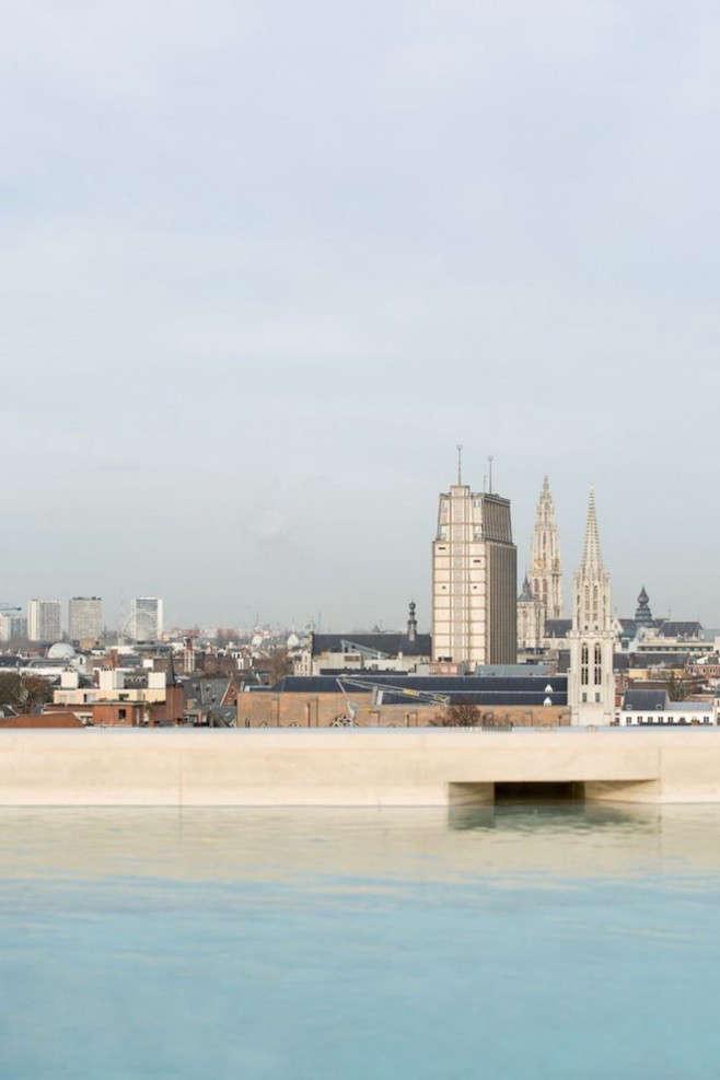 Sober Luxury in Downtown Antwerp portrait 16