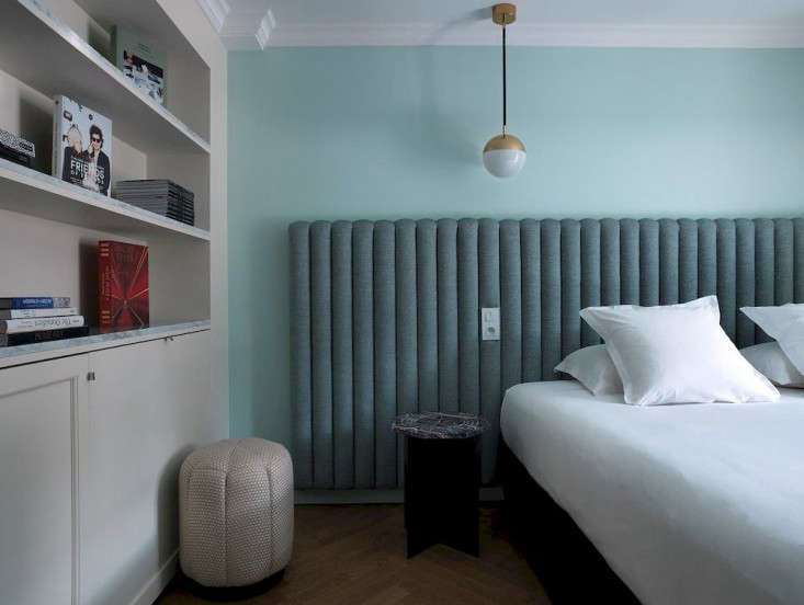 Moody Blues The Hotel Bachaumont in Paris portrait 9