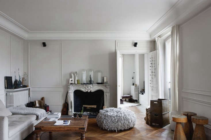Cultural Exchange An Artfully Appointed Parisian Flat portrait 3