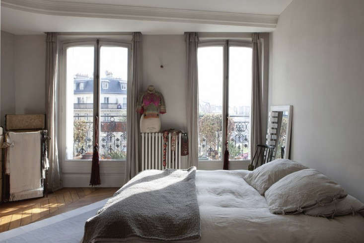 Cultural Exchange An Artfully Appointed Parisian Flat portrait 15