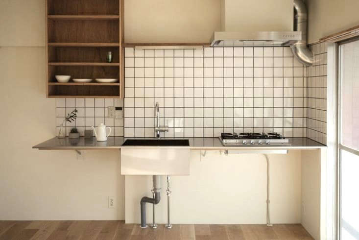 The kitchen in the Fujimidai house in Hujimidai by Snark Architecture.