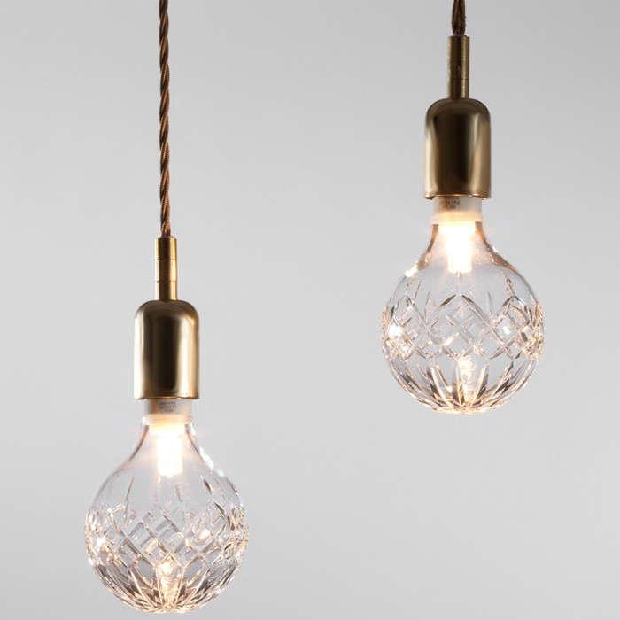 10 Easy Pieces Festive Lightbulbs Holiday Edition portrait 10