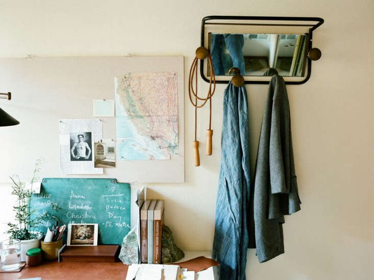 At Home with Photographer Leslie Williamson in SF portrait 11
