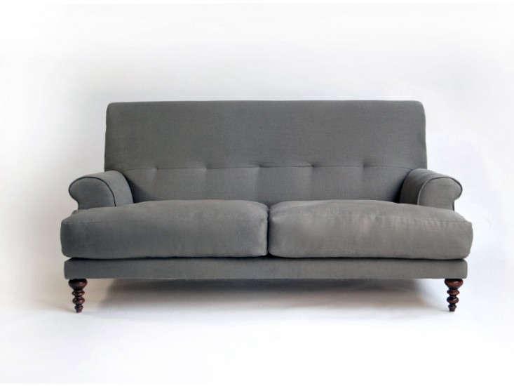 HighLow Cushy EnglishStyle Sofa portrait 3