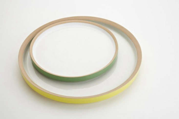 owen wall green yellow plates