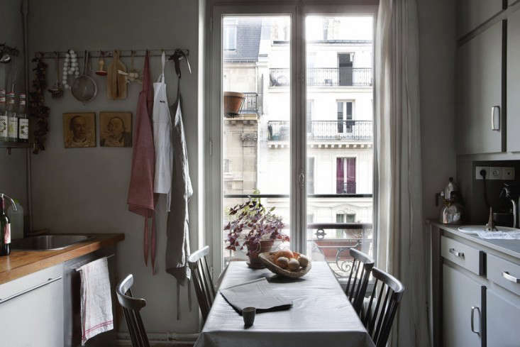 Cultural Exchange An Artfully Appointed Parisian Flat portrait 7