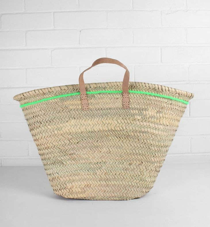 10 Easy Pieces The FrenchStyle Market Tote Reinvented portrait 5