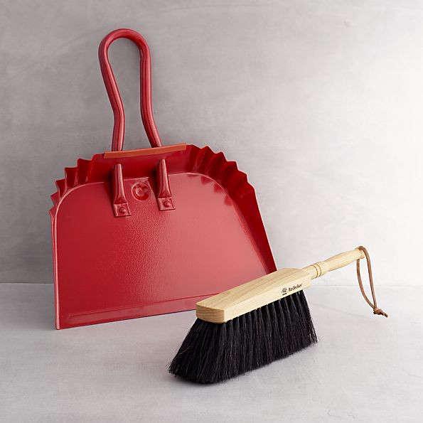 10 Easy Pieces DesignWorthy Dustpans portrait 12