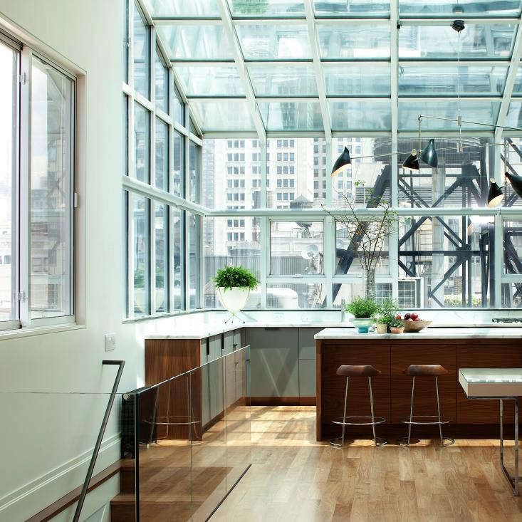 A New York Flat with a Glamorous View portrait 6