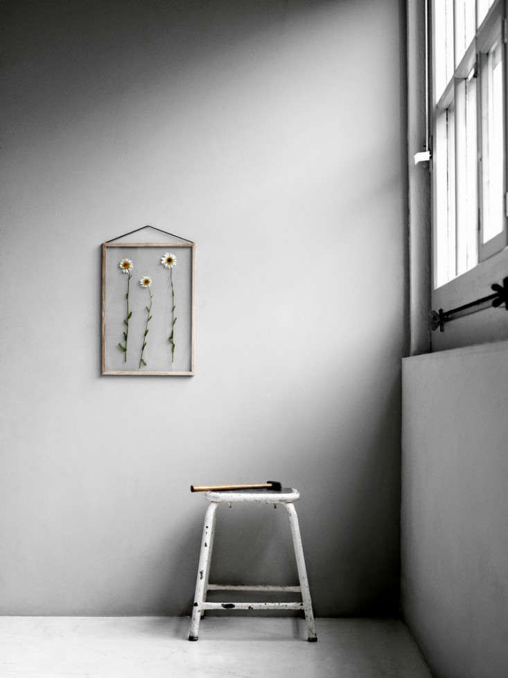 6 Simple Ways to Hang Art portrait 3