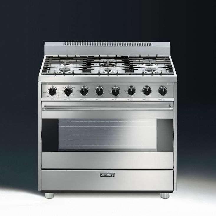 7 HighStyle Italian Kitchen Ranges portrait 5