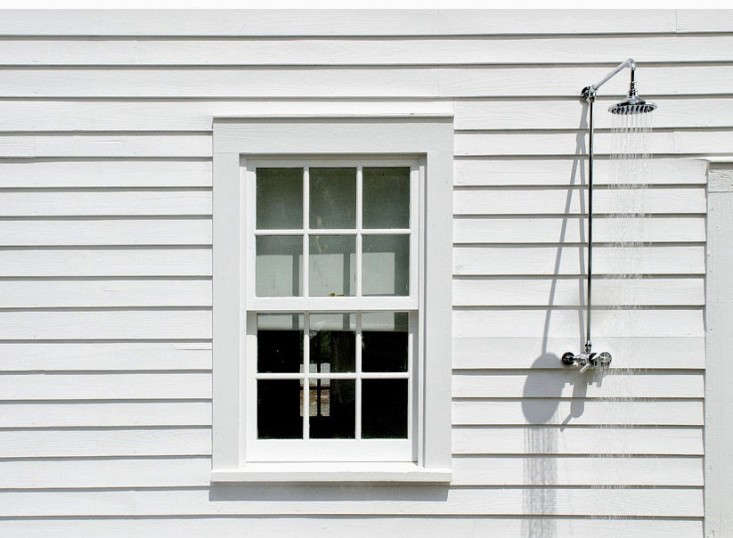 A simple outdoor shower.
